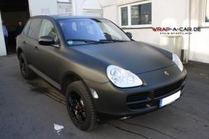 Porsche Cayenne Folierung in schwarz matt