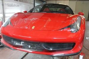 Schutzfolie beim Ferrari 458 Italia