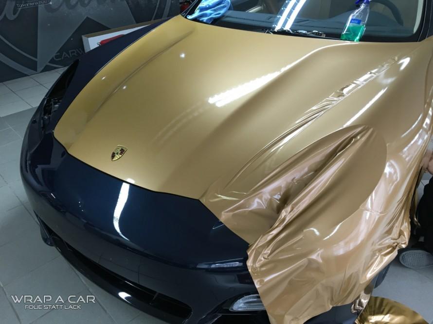 panamera-gold-motorhaube